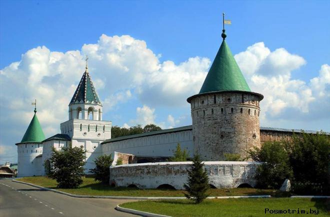Свято-Троицкий Ипатьевский монастырь Костромы после революции