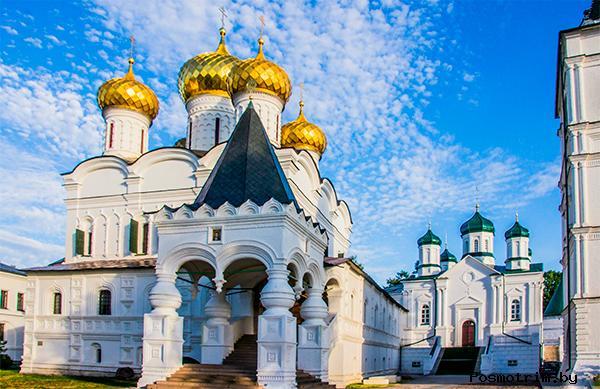 Свято-Троицкий Ипатьевский монастырь под покровительством Годуновых