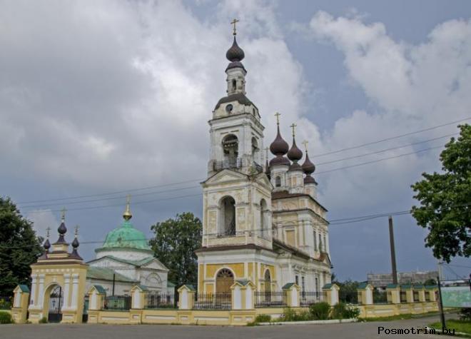 Троицкий храм и Введенская церковь в Плесе