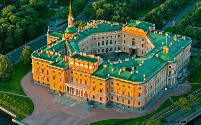 Михайловский замок (Инженерный замок) в Санкт-Петербурге