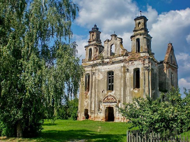 Костел Девы Марии Смоляны История