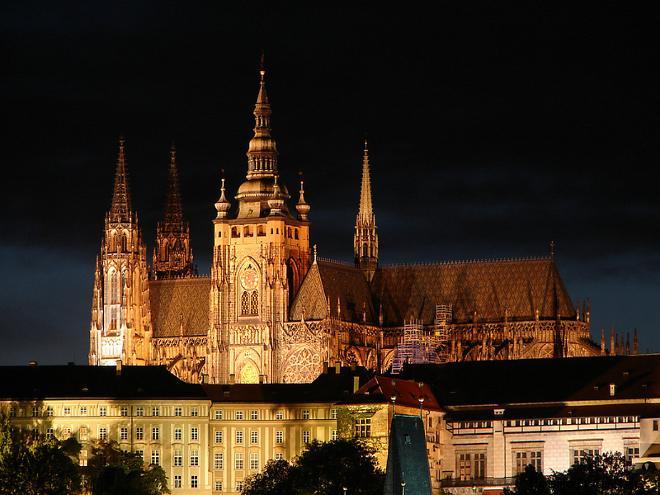 Замок Пражский град крупнейший замок мира и резиденция чешского президента
