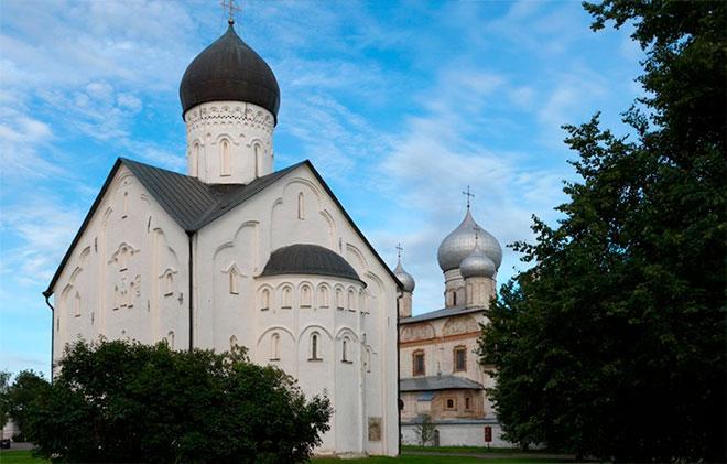 Архитектура церкви Спаса Преображения на Ильине в Новгороде