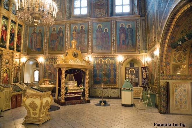 Интерьер храм Григория Неокесарийского в Москве на Большой Поляне
