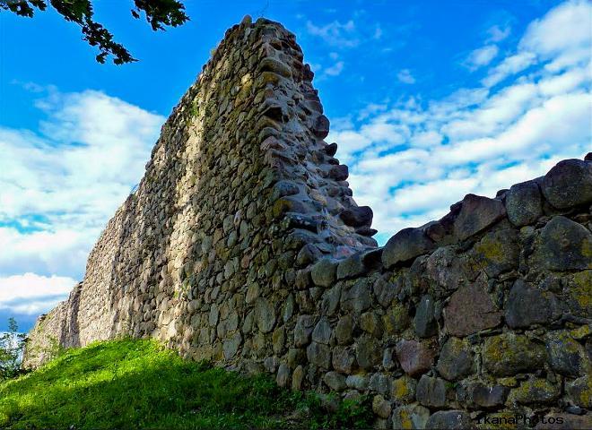 Замки в Мядининкай и в Лиде строили великаны