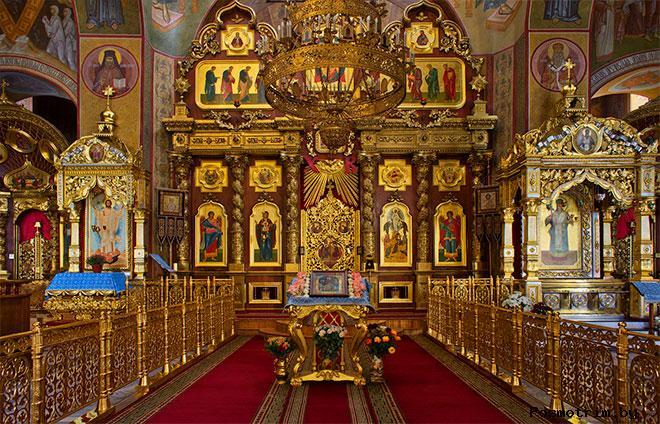 Спасо-Преображенский собор Белгорода внутри