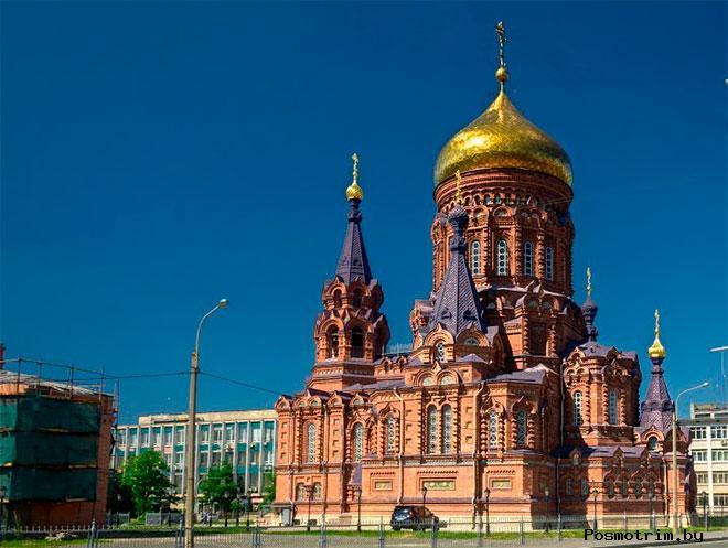 Храм Богоявления на Гутуевском острове Санкт-Петербурга