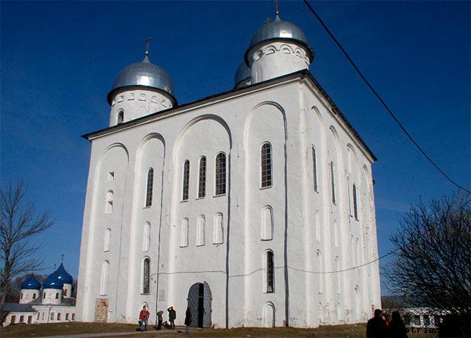 Архитектура Георгиевского собора Юрьева монастыря Великого Новгорода