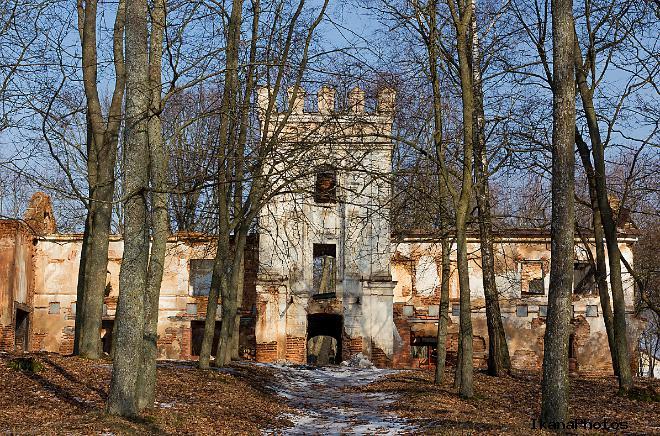 Усадьба в Смиловичах - убранство старого дворца Монюшко-Ваньковичей