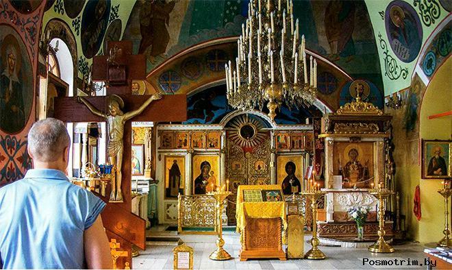 Внутри Храма Покрова Пресвятой Богородицы в Братцево