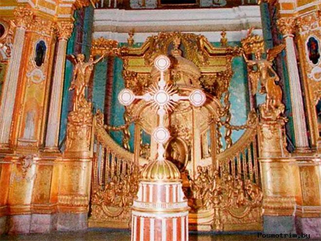 Животворящий Крест Петропавловского собора Санкт-Петербурга