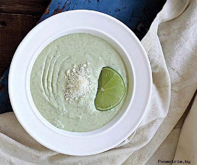 Суп из авокадо и огурцов