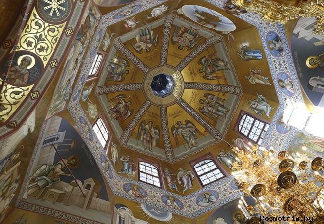 Интерьер Троицкого собора Саратова