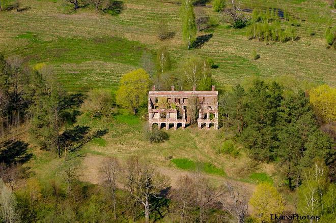 Усадьба Тышкевичей Вялое фото с воздуха