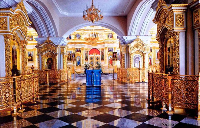 Внутри церкви Симеона и Анны