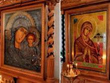 Списки Казанской и Ахтырской икон Божией МатериСтрогановская церковь Нижнего Новгорода