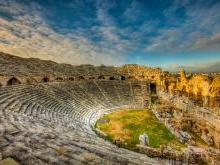 Античный театр (Amphitheatre) в древнем городе Сиде
