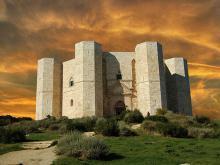 Замок Кастель-дель-Монте Италия