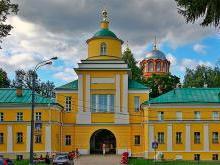 Надвратный храм Митрофана Воронежского