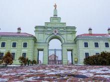 Ружанский замок - въездная брама дворца в Ружанах