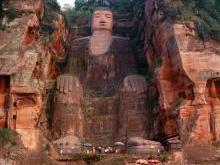 Большой Будда в Сычуани самая большая скульптура Будды в мире
