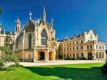 Замки-дворцы в Леднице-Вальтице