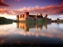 Замок Кайрфилли Уэльс Англия