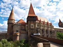 Замок Корвинов Румыния