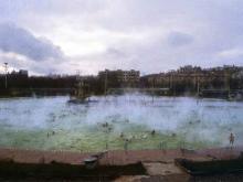 Бассейн на месте взорванного храма