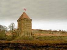 Замок в Медниках современное состояние