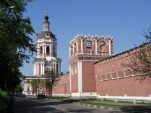 Надвратные храмы Донского монастыря