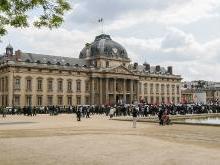 Военная школа в Париже