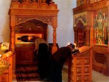 Мощи святой Пелагии Старицкой в Успенском соборе Старицкого монастыря